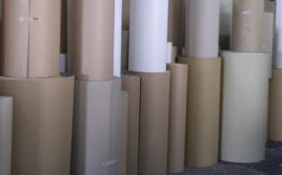 【製紙業】ロール状の紙保管用の保護材